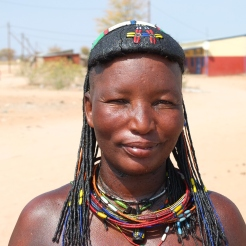 Namibië himba vrouw traditioneel