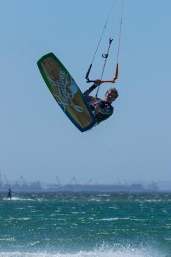 Langebaan kitesurfen jump kitesurfing